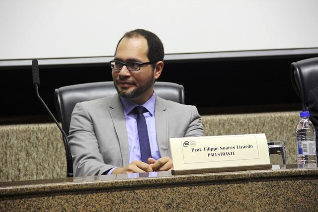 """Prof. Filippe Soares Lizardo no painel """"Reforma Eleitoral e Eleições 2018"""""""